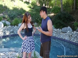 Jessi Palmer Seduces Married Man For An Outdoor Hardcore Fucking