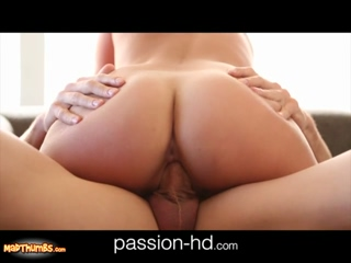 Kennedy Leigh Lovely Girl Gives Blowjob And Nailed Hardcore On Couch