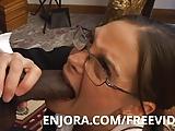Milf wants a huge black cock to ram her mouth - Enjora.com