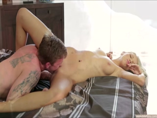 Cute Karol nails guy to her satisfaction with her dream partner
