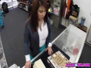 MILF Sells Her Husbands Stuff For Bail 2