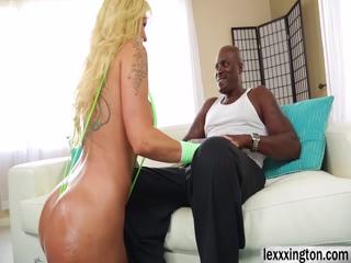Voluptuous MILF Ryan Conner gets Lexingtons big cock in her ass