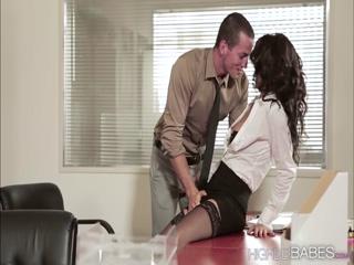 Hot babe Alexa fucks the boss boyfriend at the office