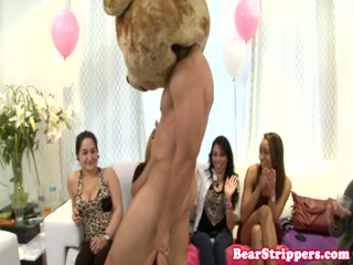 Blowjob newbie deepthroats at party