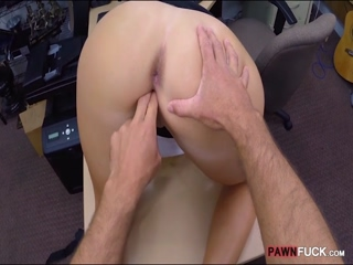Big ass amateur babe screwed by pawn man