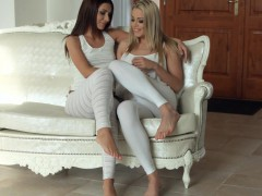 Sensual Lesbian Scene By Sapphix With Christen Courtney