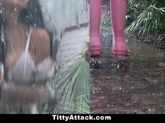 Teamskeet - Rain, Rain, Hoe Away