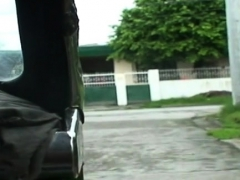 Super Pretty Girl Shows Her Engulfing And Riding Skills