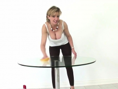 Cheating Uk Milf Lady Sonia Pops Out Her Oversized Ti02hlv