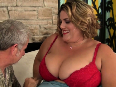 Plumper Erin Green On All Fours For Cock