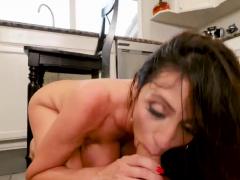 Amateur Teen Rubs To Orgasm And Mom Slave Borrowing Milk