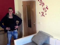 Hausfrau Deutsch Lockt Jungspunde Fur Dreier In Wohnung
