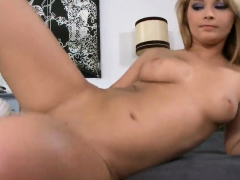 Flawless Sex Kitten Is Presenting Her Spread Tight Ho91bho