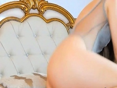 Sexy Chick Gets Wild And Naughty On Cam