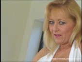 Sexi mature ami charms takes bbc